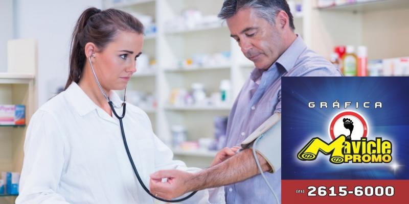 Cresce a identificação de profissionais para os serviços farmacêuticos   Imã de geladeira e Gráfica Mavicle Promo