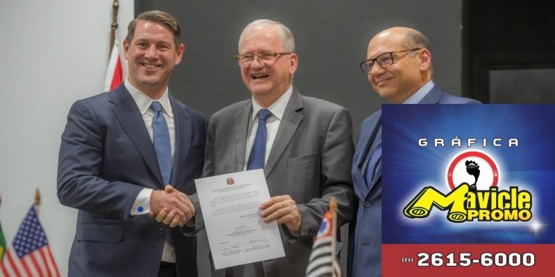 O Instituto Butantan e a Merck serão aplicadas vacinas contra a dengue   Imã de geladeira e Gráfica Mavicle Promo