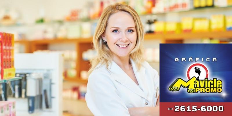 CFF faz campanha em homenagem ao Dia do Farmacêutico   Imã de geladeira e Gráfica Mavicle Promo